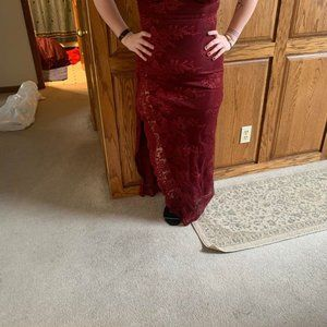 Dresses - Maroon Lace Dress